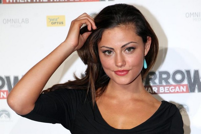 Phoebe-Tonkin-the-vampire-diaries-saison-4-essentiel-series