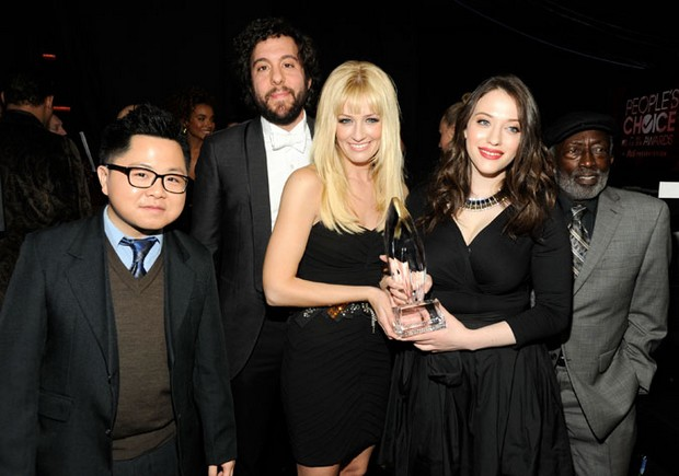 2-Broke-Girls-peoples-choice-awards-2013-essentiel-series