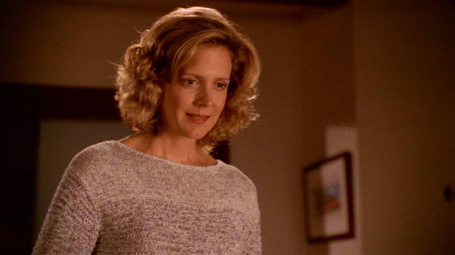 Joyce Summers-Kristine Sutherland-buffy-contre-les-vampires-essentiel-series
