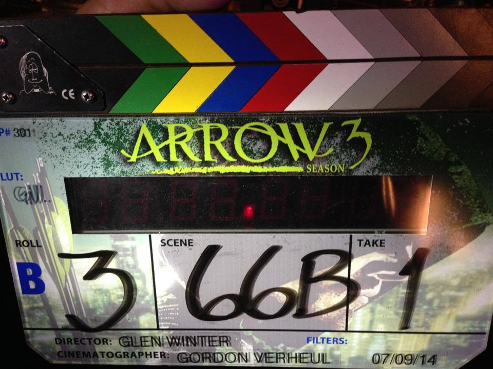 arrow-season3-shooting-essentiel-series.jpg