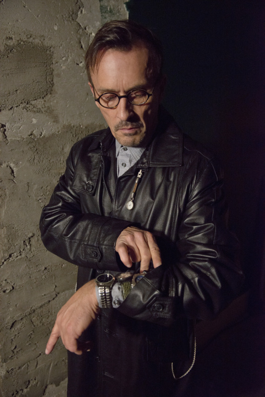 clock-king-knepper-arrow-essentiel-series.jpg