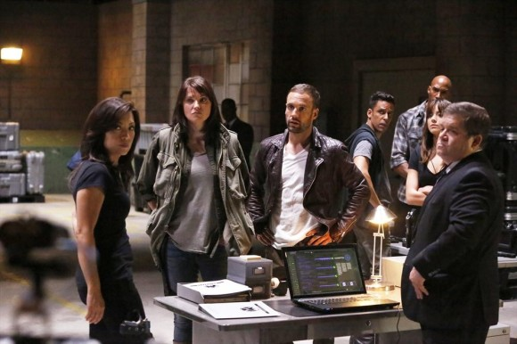 agents-of-shield-es02e01-team-essentiel-series.jpg