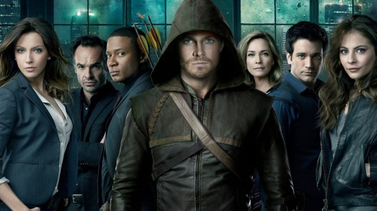 Stephen Amell,Katie Cassidy,David Ramsey,Willa Holland,Paul Blackthorne, Susanna Thompson,Colin Donnell jour dans la série DC Comics Arrow