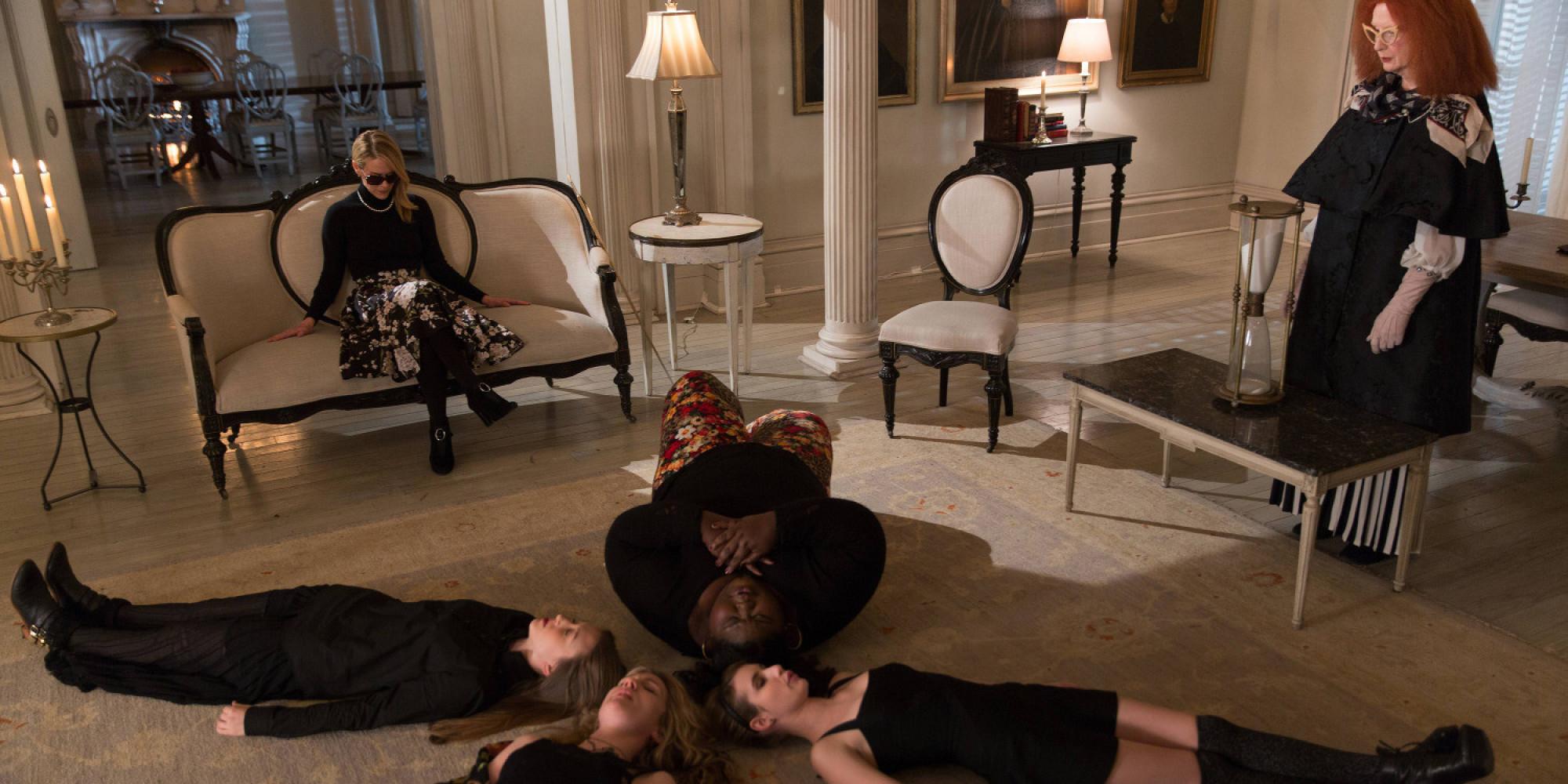 american-horror-story-sur-serieclub-des-le-14-fevrier-2015-essentiel-series-4
