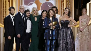 transparent_cast_onstage_golden_globes-essentiel-series