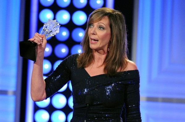 allison-janney-mom-essentiel-series.jpg